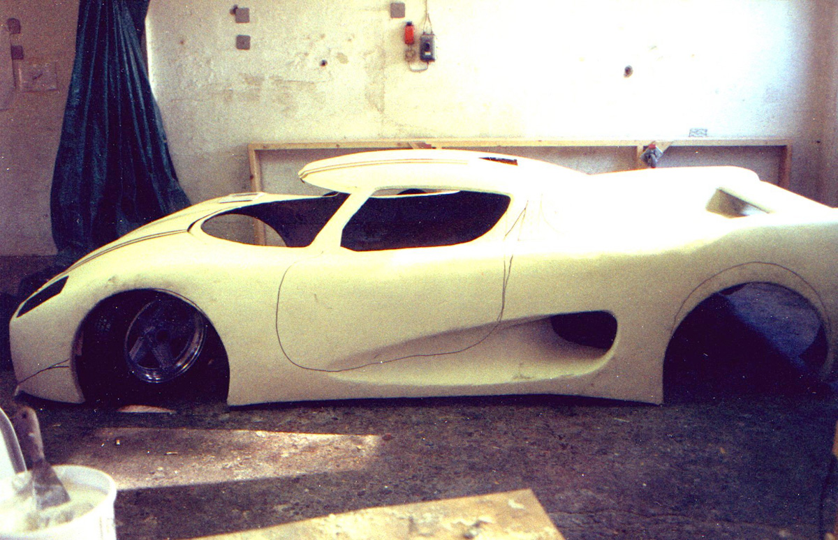 Elva news svenharry kesson 1 the falcon 2 the semi monocoque chassis for the first koenigsegg with audi v8 and using temporary wheels from the sethera mk1 solutioingenieria Choice Image